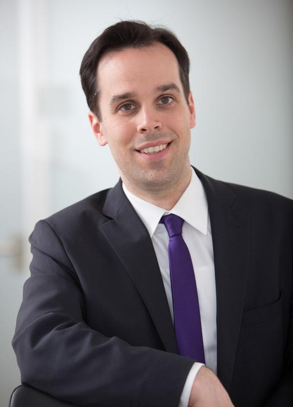 Dr. Daniel Komo